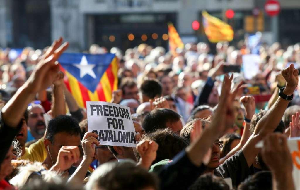 Spanish Police Arrest High-Ranking Catalan Officials in Raids