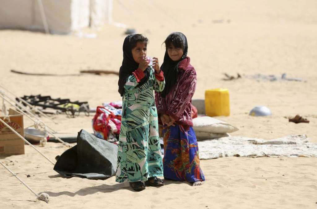 Yemeni Official Holds Houthi Militias Responsible for Worsening Crisis of Displaced People