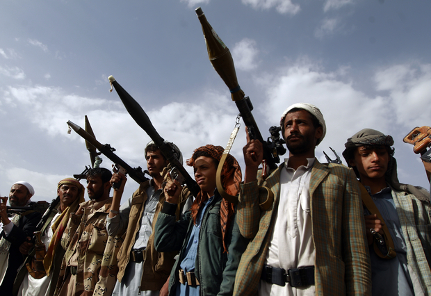 Houthis Besiege Saleh's Journalists