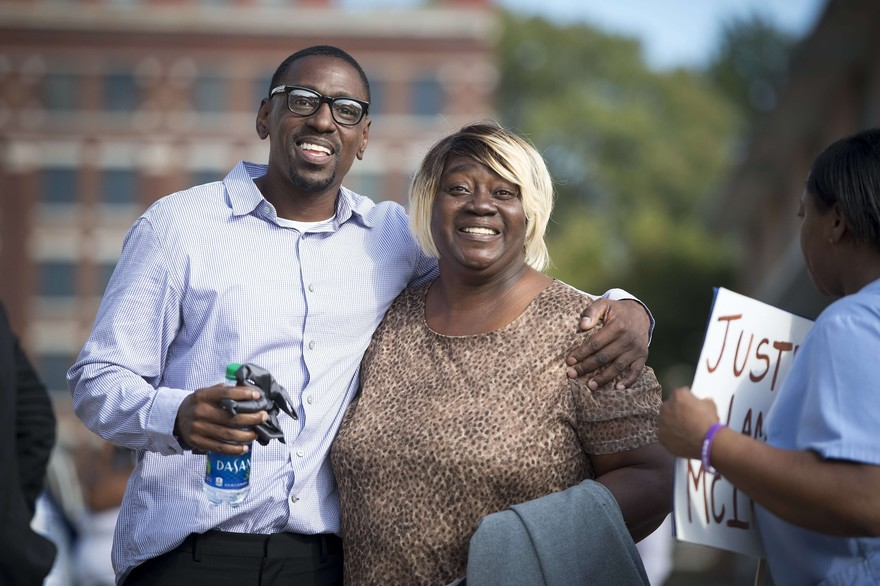After 23 Years in Prison, Wrongly Convicted US Man Freed