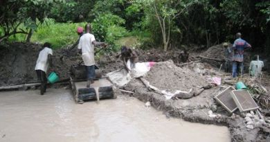 Diamond Diggers in Liberia