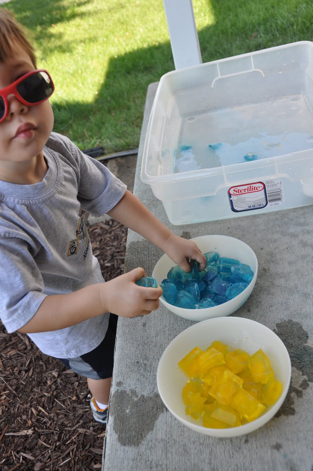 Children S Learning Activities Color Mixing With Ice