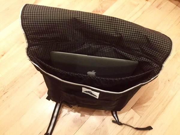 Hyperlite Mountain Gear Messenger Bag Review