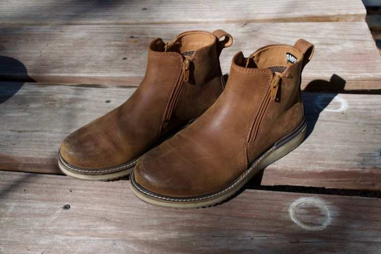 Keen Bailey zip boots