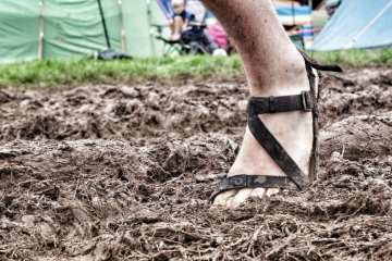 "minimalist shoesBritish Music Festival living. Who needs ""wellies""? Anyone for Z Treks? Deershed Festival, Yorkshire, England."