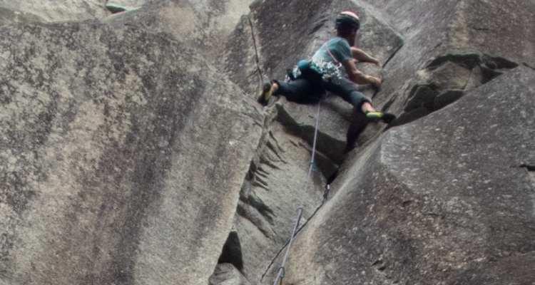 La Sportiva Kataki Climbing Shoes - Ideal Crack Climbing Shoe 1