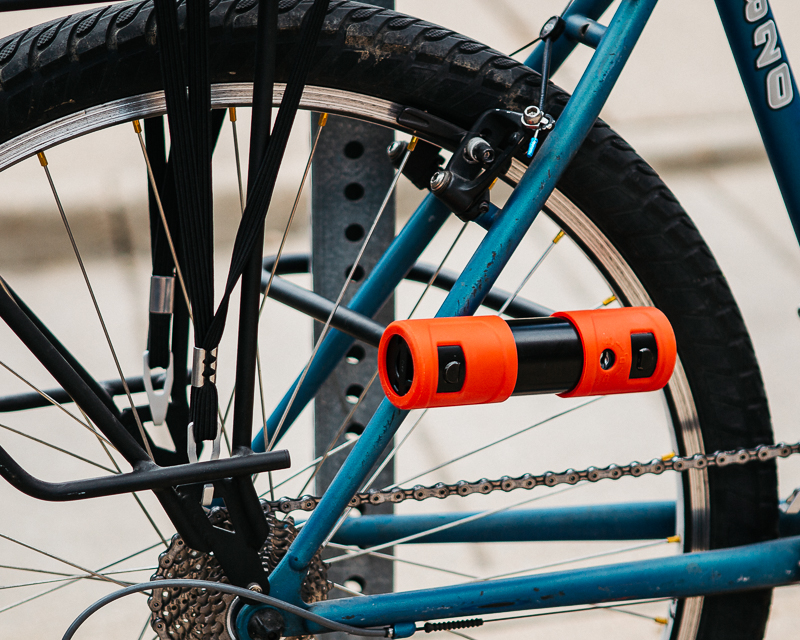 Using the ABUS 440A to lock up my Trek 820 to a stop sign