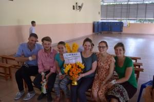 Von links: Tobi, Sandro, Julia, Laura und Franziska von der PH und unsere Volontärin Steffi