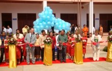 Einweihung der neuen Mittelschule in Ban Phang Heng