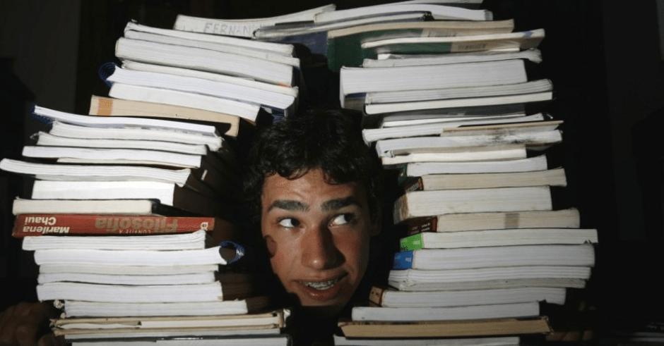 estudante-livros-blog-da-engenharia