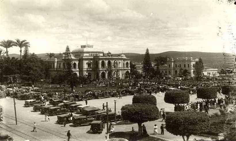 Praça da Liberdade em Belo Horizonte, Minas Gerais, na década de 1920.