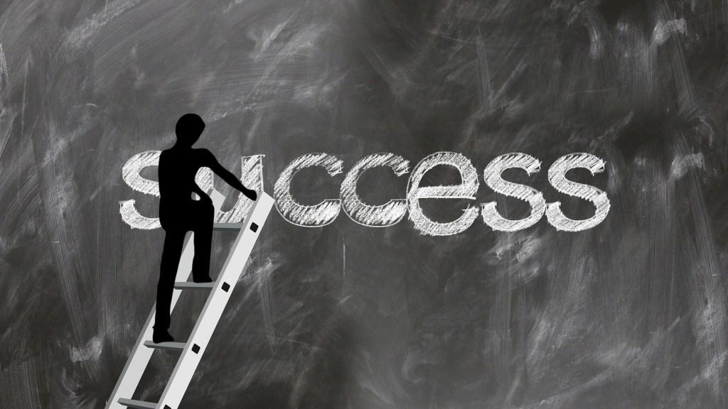 Estudar para obter sucesso profissional.