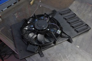 Stock fan shroud for Ford Fiesta radiator