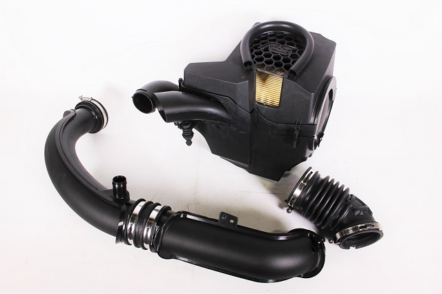 Ford Focus RS stock intake
