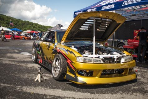 Ryan's gold and black themed S14 is very stylish
