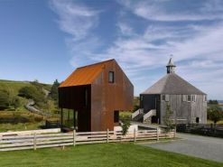 Courtesy of MacKay_Lyons Sweetapple Architects