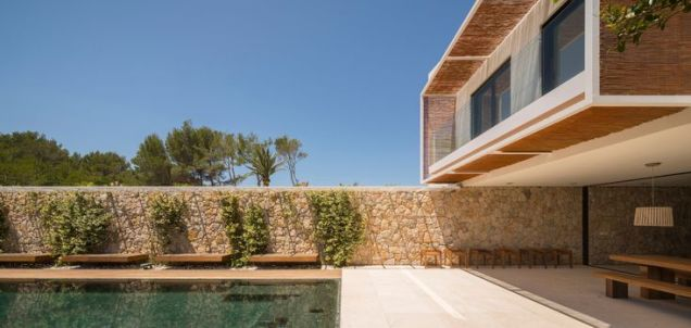 Image 1 of 16 from gallery of M24 House _ OLARQ Osvaldo Luppi Architects. Photograph by Mauricio Fuertes