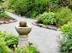 √ Clean and Modern Stone Gravel Planted Beds 2019 _frontyardlandscaping _landscapingideas _flowergar