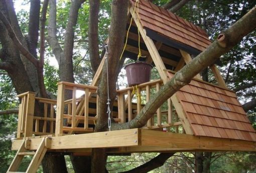 65 Rustic DIY Treehouse for Kids Play that You Should Make it _yardart _yarddecorations _yardgames