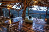 Australia _ One of the Blue Mountains' staggering Love Cabins_ the Secret Treehouse sits above the m.