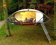 Dom_Up is a lightweight tree shelter that leaves no trace or impact on the surrounding environment.