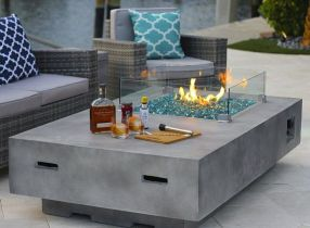 Fantastic camping modern fire pit designs will have you planning your bathroom redo. _firepitideas _outdoorfirepit _backyarddesign _DreamRoomDecor