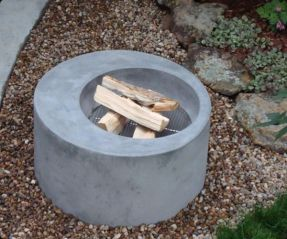 Fantastic modern fire pit glass decoration ideas to enhance your house. _firepits _firepitwood _BackyardIdeas _homedecor