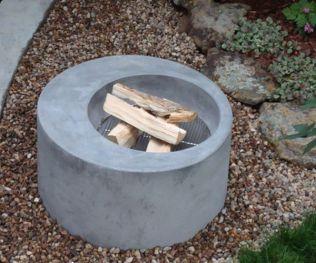 Fantastic modern fire pit glass decoration ideas to enhance your house. _firepits _firepitwood _BackyardIdeas _homedecor