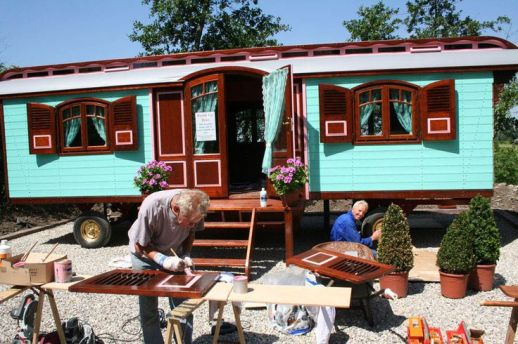 Gallery _ Roulottes USA _ Tiny House Caravans _ Small House _ Off_Grid House _ Gypsy Caravans _ Page