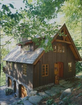 Hawk Mountain timberframe if i got my house built i would want something little and cozy like this (