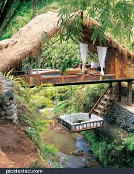 Not that I would actually live in this house... but I would totally vacation there_