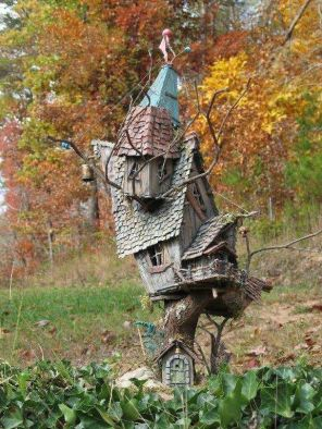 Rustic Themed Bird Shelter For Garden