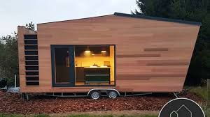 Tiny house_ living in a small space on wheels_ plans_ interior cottage DIY_ modern small house _ Tin (1)