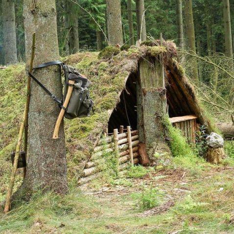 Primitive_Houses_and_Bushwak (2)