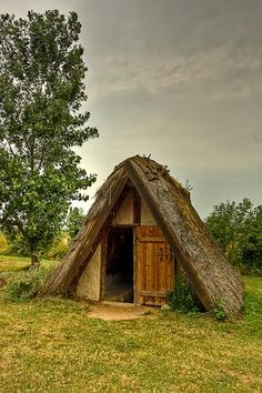Primitive_Houses_and_Bushwak (60)