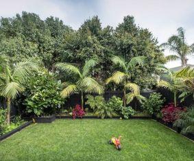 Fabulous-Tropical-Garden-Design-Ideas-That-You-Definitely-Like-24