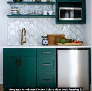 Gorgeous-Farmhouse-Kitchen-Colors-Ideas-Look-Amazing-22