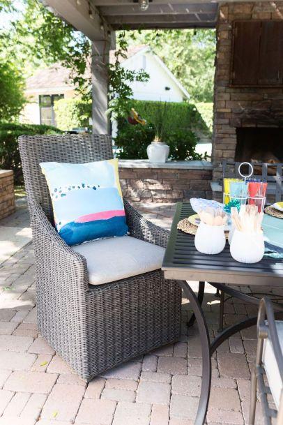 Trending-Summer-Patio-Furniture-Design-Ideas-16