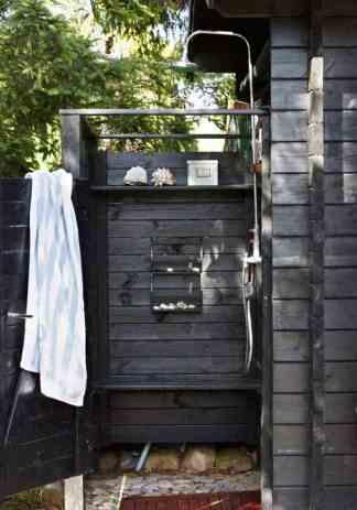 Outdoor-Shower-Design-Ideas-31-1-Kindesign