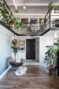 brown-lounge-chair