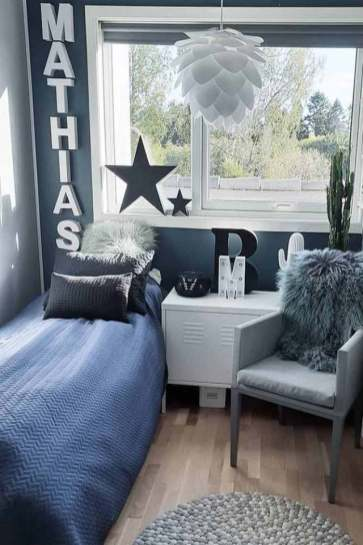 inspiring-teen-bedroom-ideas-boys-pillows-chair