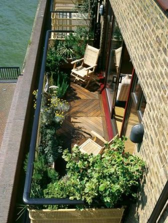16-Beautiful-Balcony-Gardens