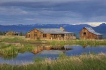 A-classic-ranch-house-in-Montana-lake