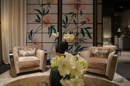 Amazing-floral-patterns-on-wall-and-armchair-pillows