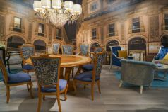 Baroque-dining-room-furniture-with-blue-accents