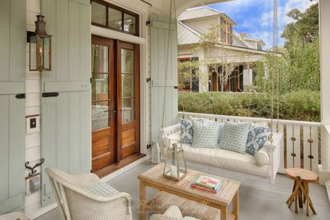 Cottage-Style-Home-Porch-Swing