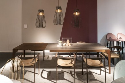 Dining-room-with-hanging-lamps