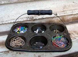 Divided-Organizer-Vintage-60s-Ovenex-Muffin-Tin