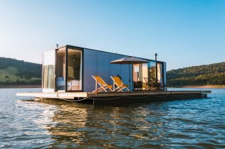 Floating-House-waterlilliHaus-by-SysHaus