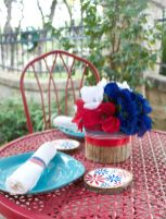 Floral-Fourth-of-July-Table-Decor-DIY